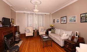 Family room of Summerside Inn Bed and Breakfast